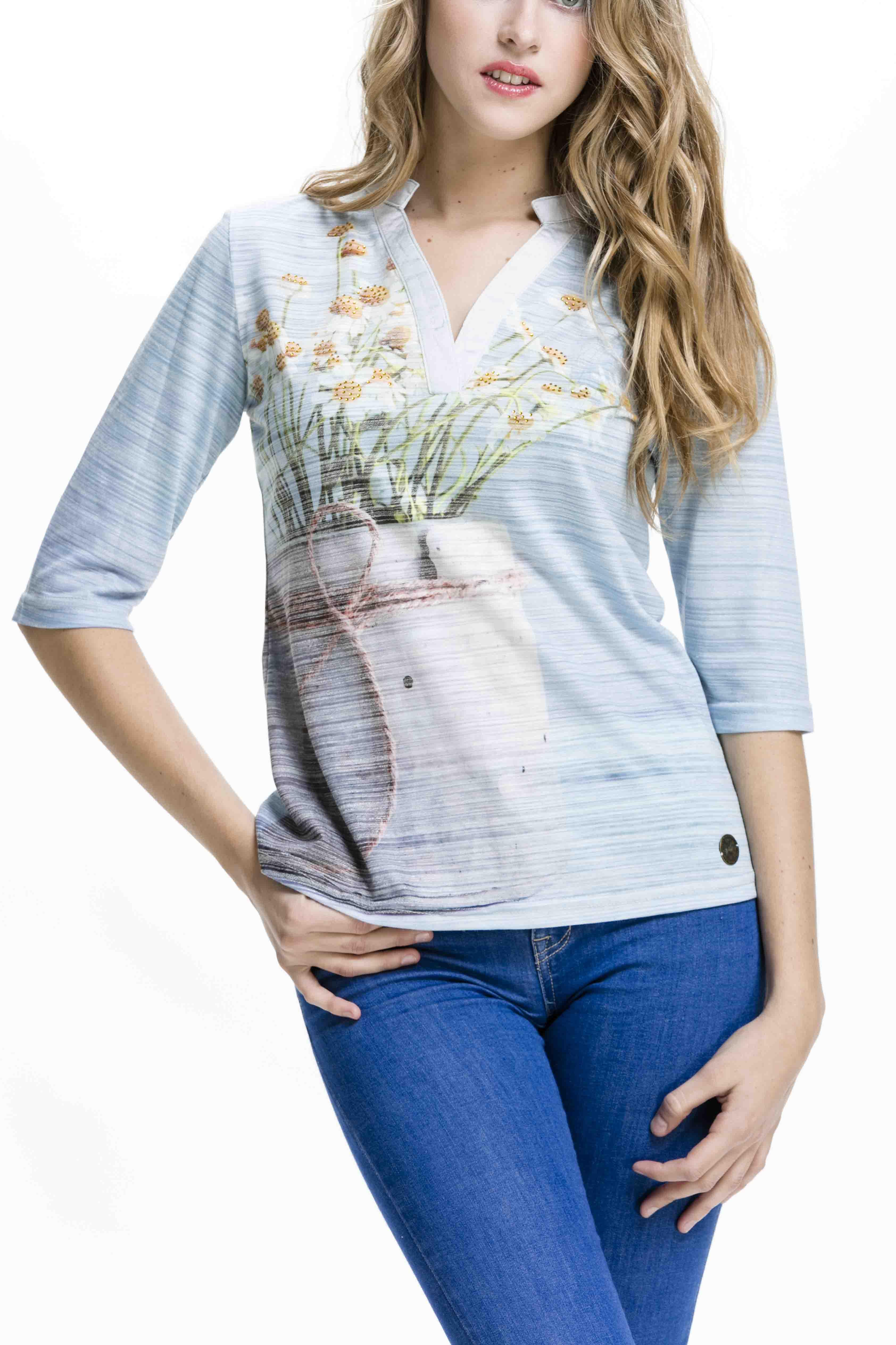 Dámské tričko s jarním motivem od značkyCulito from Spain z kolekce jaro/léto 2017
