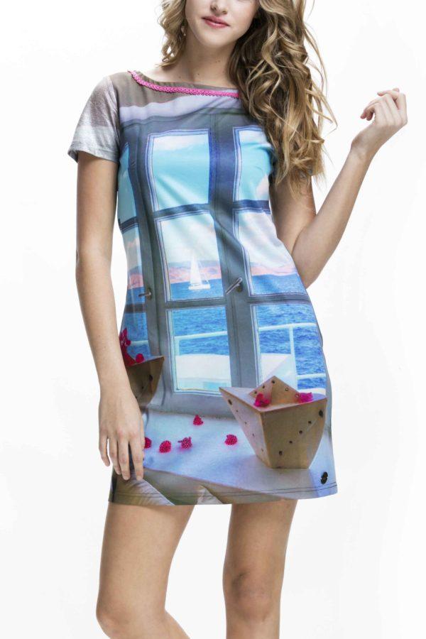 Krásný výhled na moře můžete mít i z těchtodámských šatů Culito from Spain. Nebesky modré odstíny